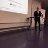 Lars Gempp begrüsst die Teilnehmer im Auditorium